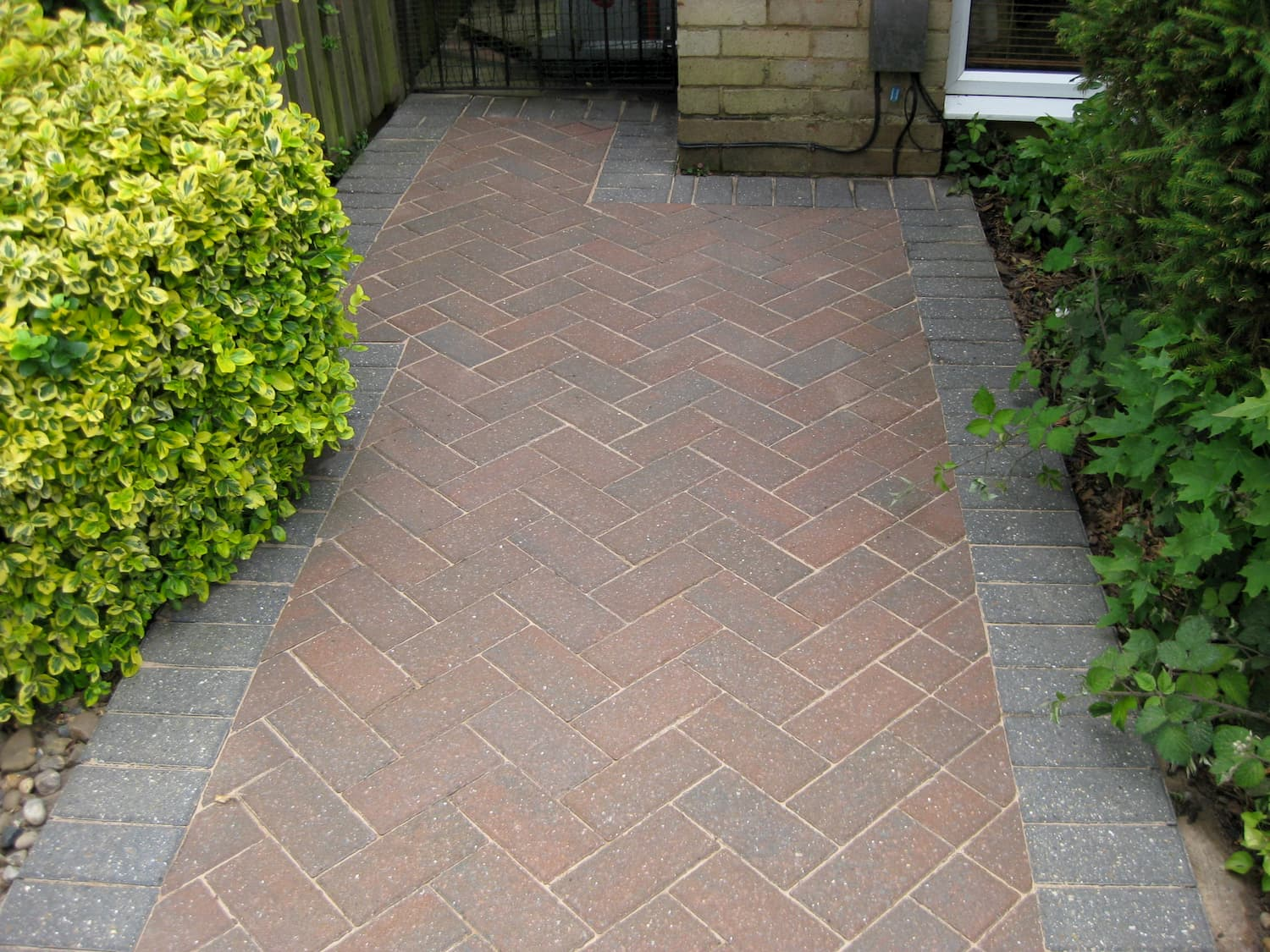 Sandown Driveway Clean and sanded